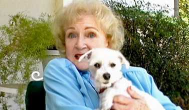 Betty White gets Lucky while HOT IN CLEVELAND!