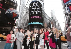 Dearlucky.com and the Humane Society of New York celebrate ringing the NASDAQ