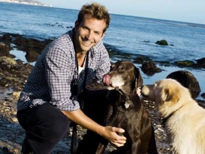Actor Bradley Cooper happily in puppy love:)