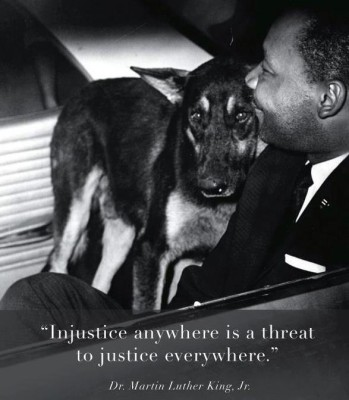 Martin_Luther_King_with_dog1