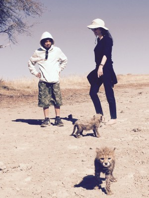 Angie-and-Pax-with-cubs2